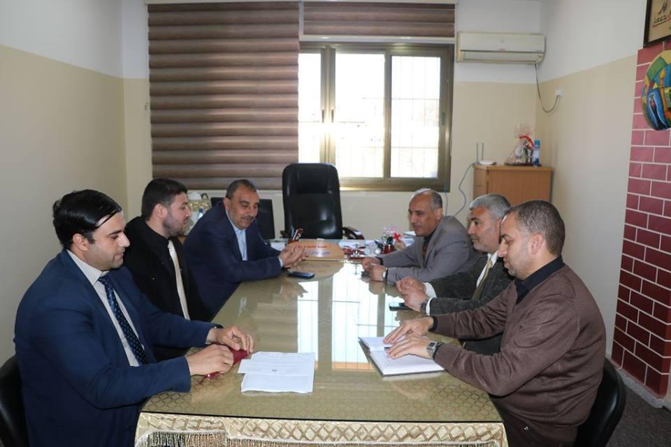 """""""تعليم الوسطى"""" تستقبل وفداً من جامعة فلسطين"""
