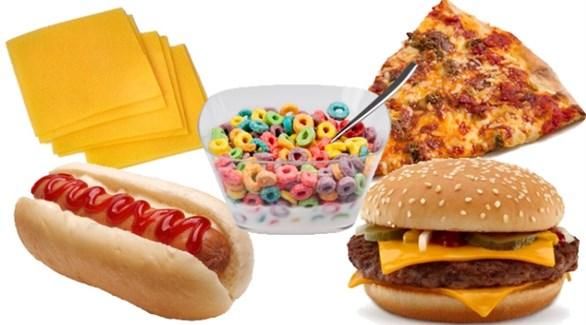 أطعمة تزيد التوتر وأخرى تخفّفه