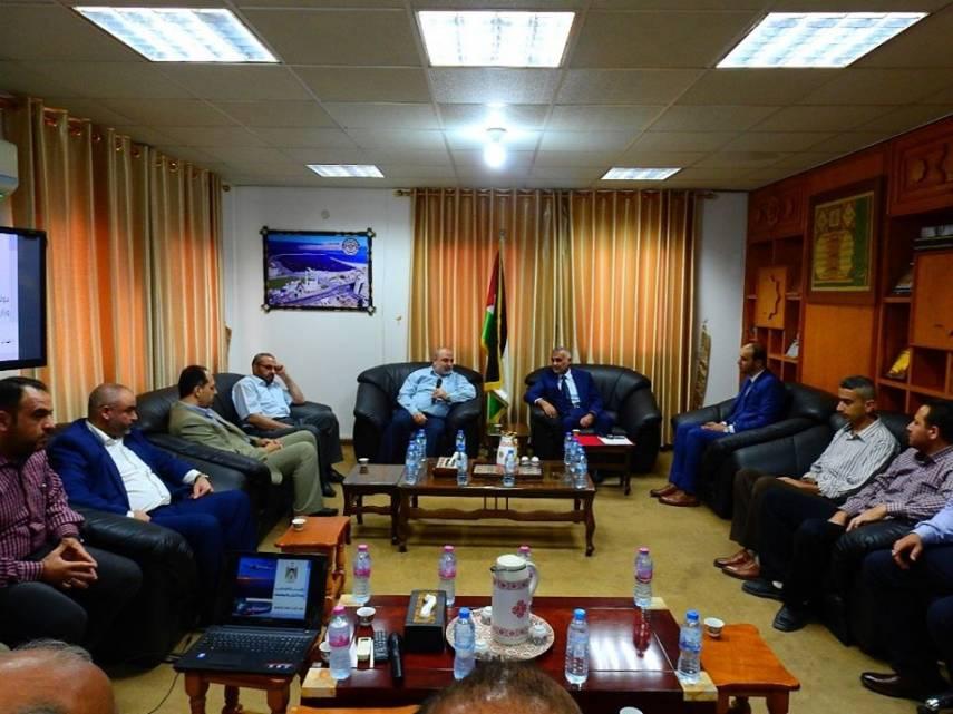 أبو شرخ يستقبل رئيس المتابعة الحكومية بغزة