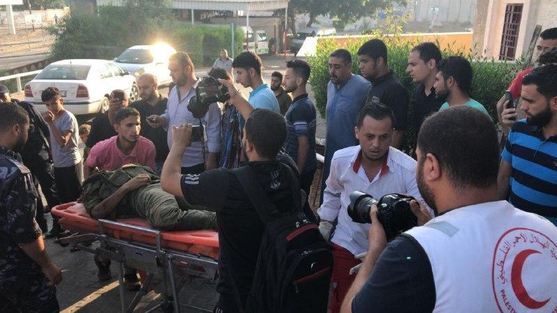 الطواقم الطبية تنتشل جثامين 3 شهداء شمال القطاع