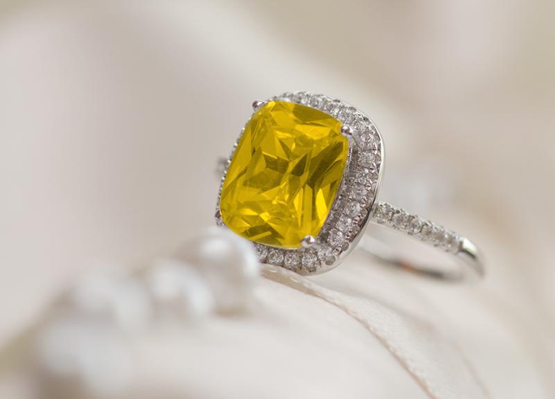 دبل زفاف يميزّها الماس الأصفر!
