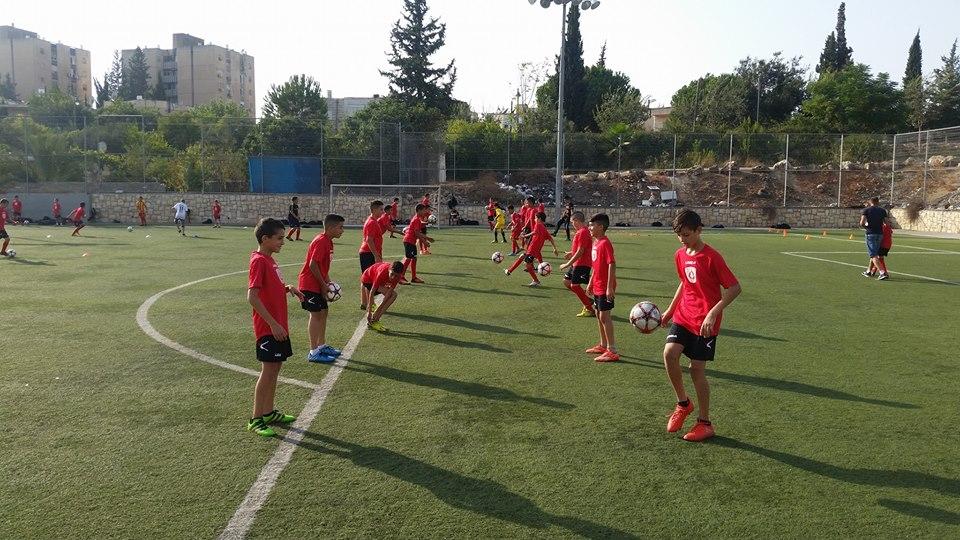 أكاديمية كرة القدم المقدسية.. عقد من الزمن يروي حكاية نجاح