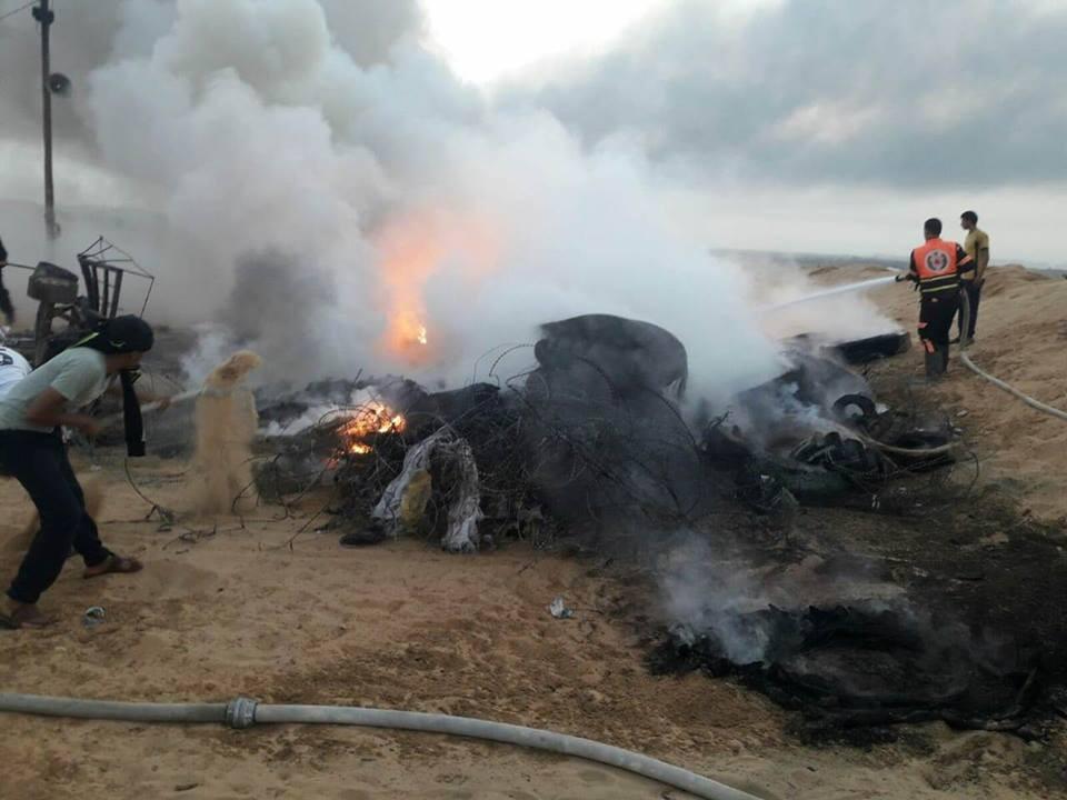"""الاحتلال يشعل النيران في """"الكوشوك"""" وخيام العودة"""