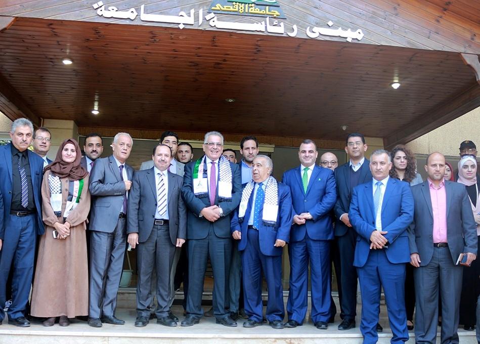 جامعة الأقصى تستقبل رئيس سطلة المياه الفلسطينية