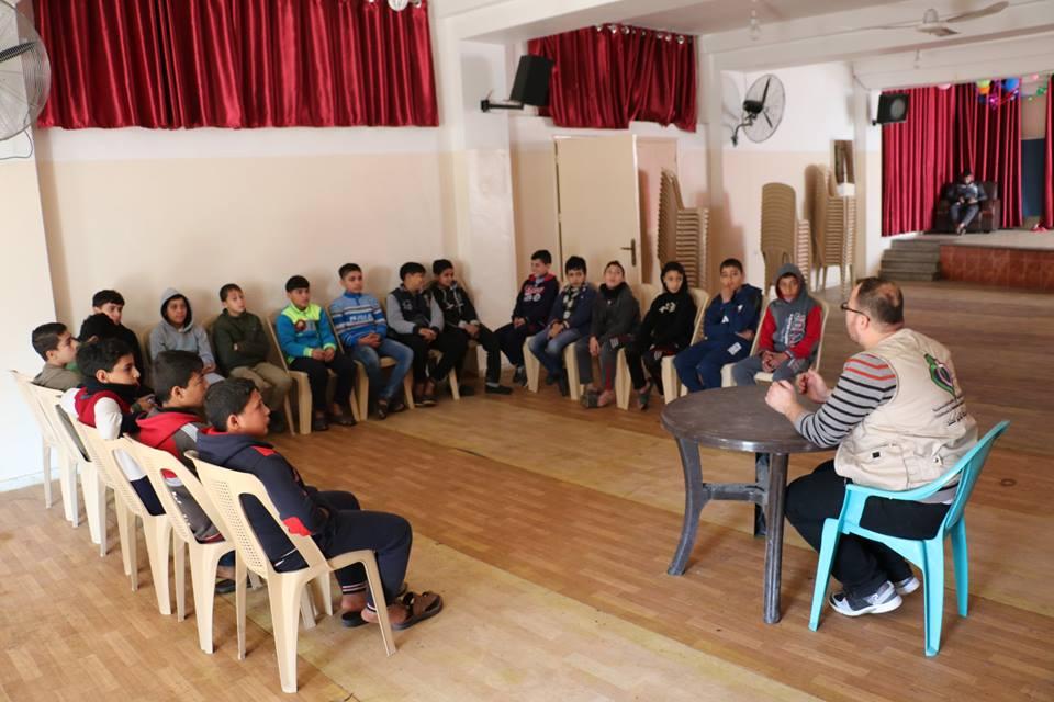 """خدمات الطفولة تفتتح المخيم الشتوي """"نحو الإبداع"""" شرق غزة"""
