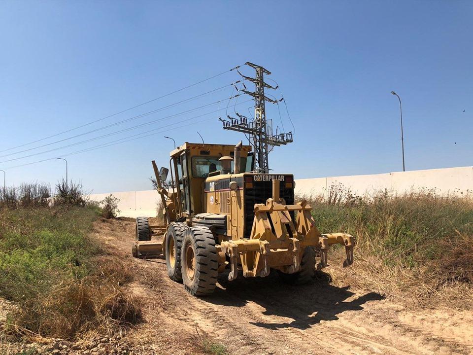 """خشية من """"الكورنيت"""" .. الاحتلال يبدأ بإنشاء ستار أمني بغلاف غزة"""