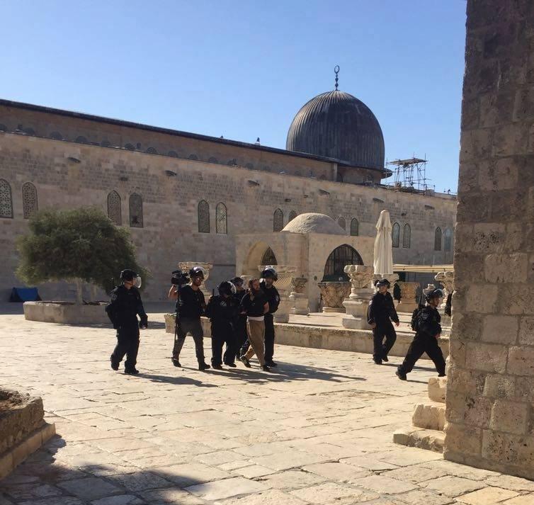 إصابات واعتقالات إثر اقتحام الاحتلال للمسجد الأقصى