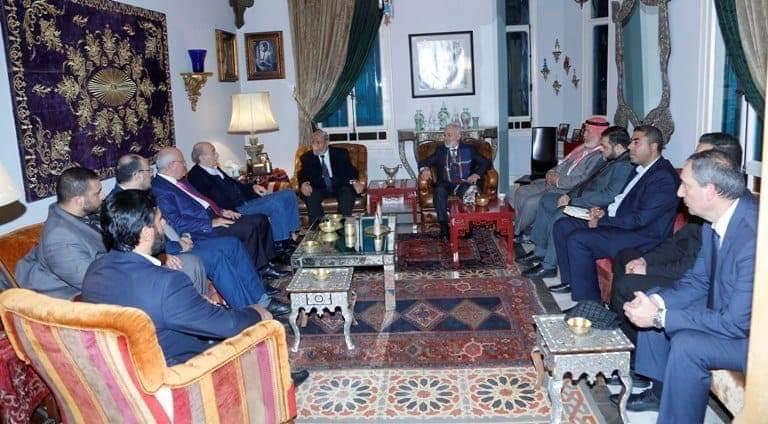 وفد حماس برئاسة الزهار يلتقي جنبلاط