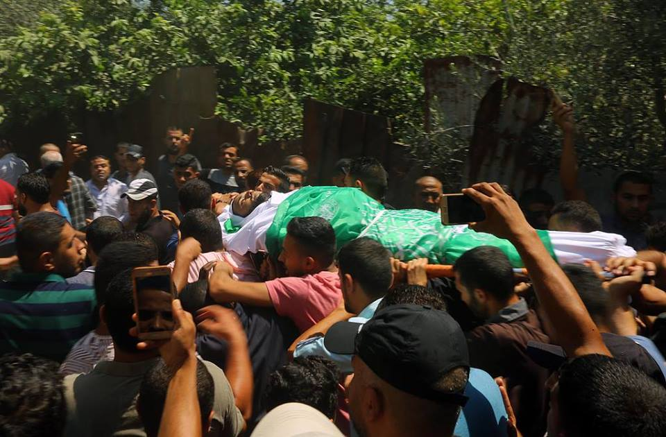 تشييع جثامين ثلاثة شهداء شمال ووسط القطاع
