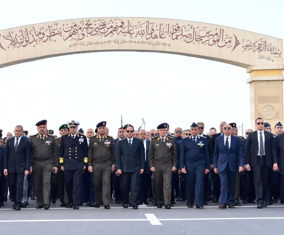 من هو القائد العسكري الذي تقدم السيسي جنازته العسكرية اليوم