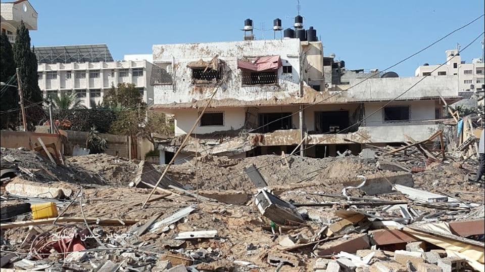الاحتلال يُدمر مكتب هنية وسط غزة