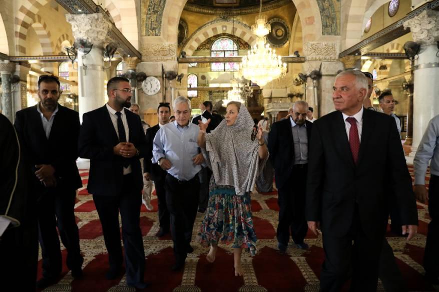 الرئيس التشيلي يزور المسجد الأقصى وخارجية الاحتلال توبخ السفير
