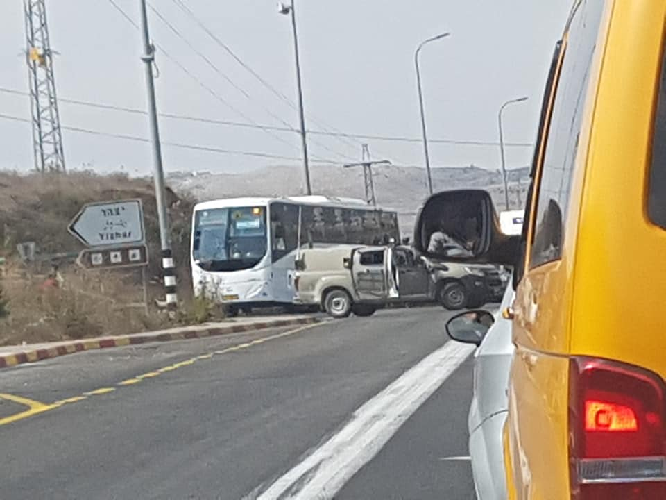 إصابة جندي ومستوطِنة بعملية طعن قرب نابلس