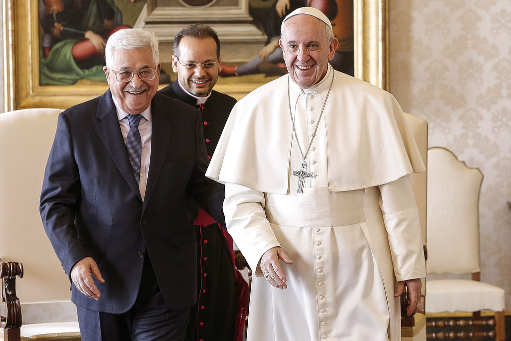 عباس يفتتح سفارة دولة فلسطين لدى الفاتيكان