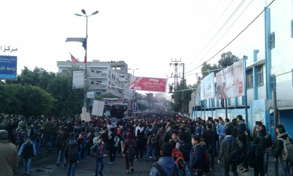 إصابات بمظاهرات غاضبة بالضفة وغزة دعماً للقدس