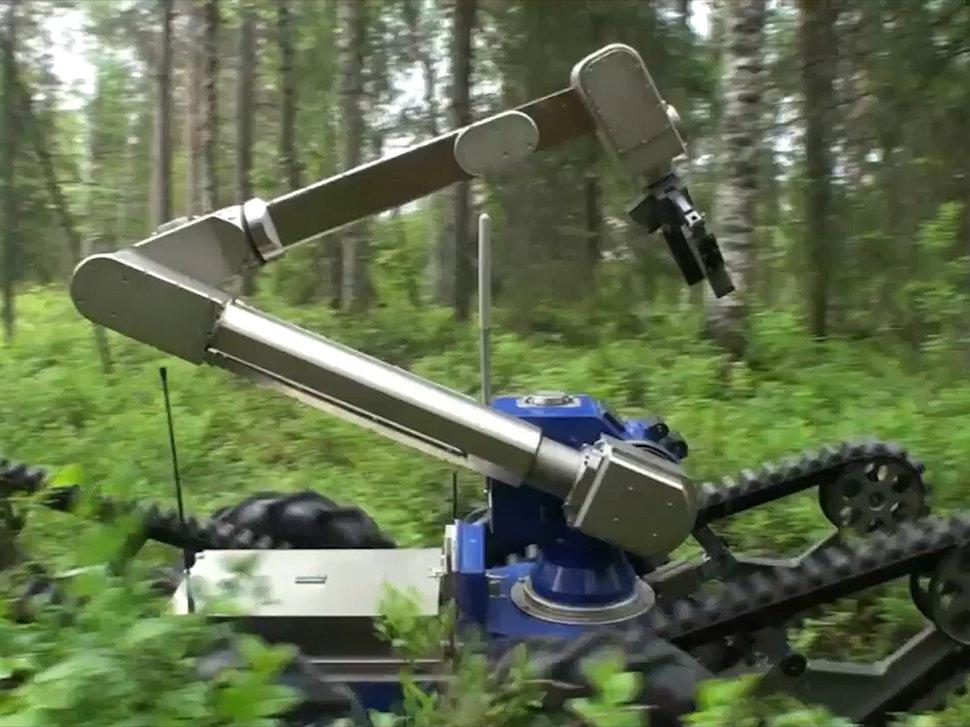 أسلحة جديدة بكفاءة عالية خلال معرض بـ