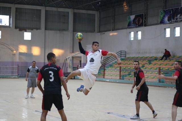 بالصور: خدمات البريج يستعيد صدارة دوري كرة اليد