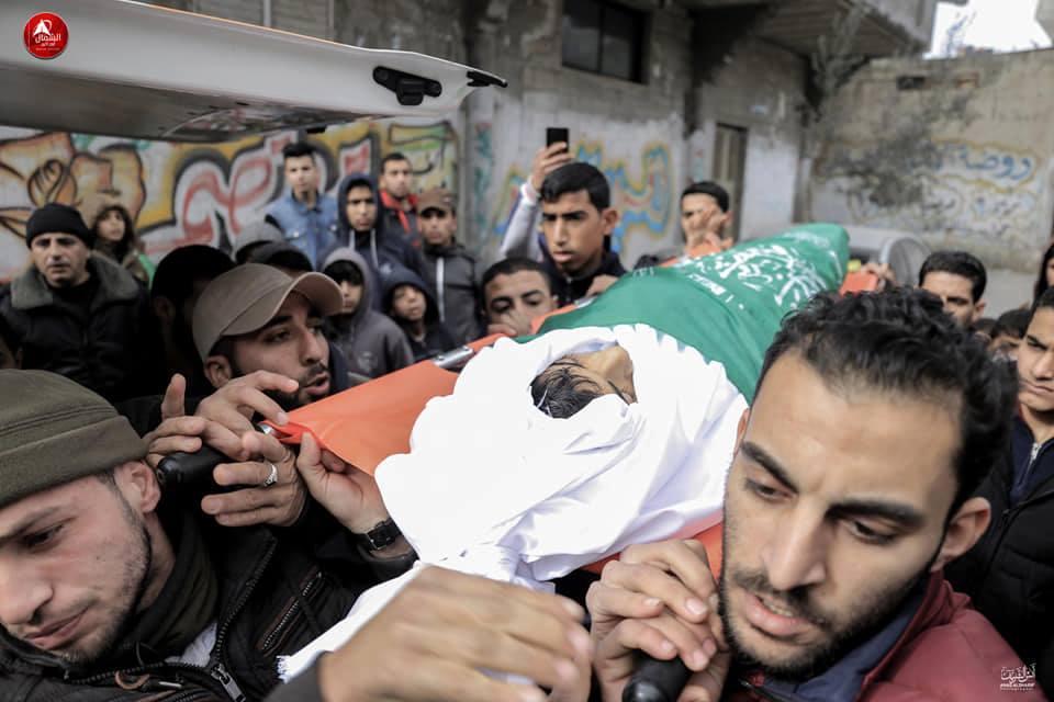 جماهير غزة تشيع جثماني الشهيدين قديح وصالحة في غزة