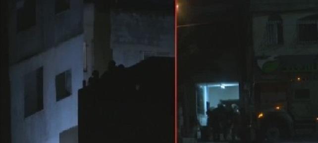 الاحتلال يفجّر منزل عائلة أبو حميد بمخيم الأمعري