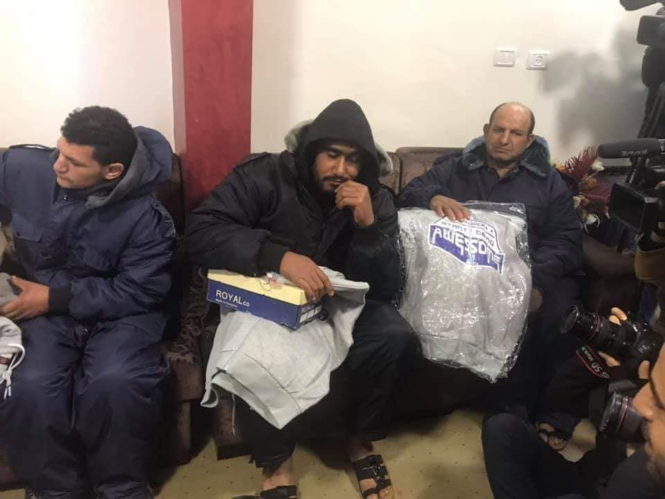 بحرية غزة تنقذ 6 صيادين مصريين وفقدان سابع ببحر الوسطى