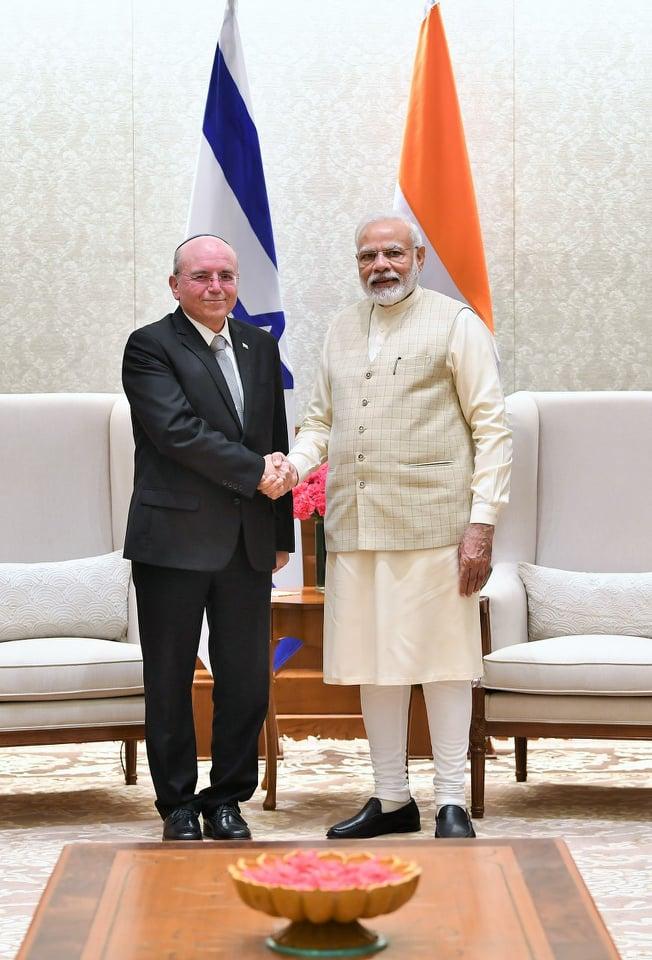 مسؤول إسرائيلي يلتقي برئيس الوزراء الهندي