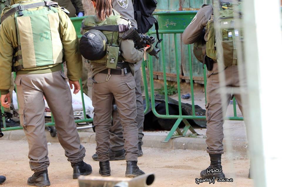 """الاحتلال يعدم شابا بزعم تنفيذه """"طعن"""" بالخليل"""