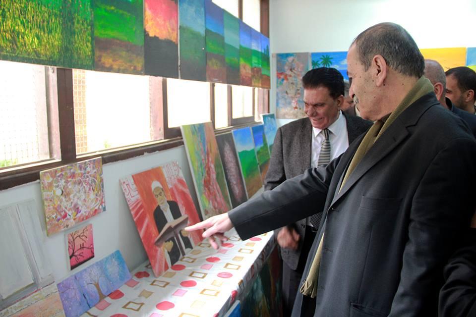 """كلية مجتمع الأقصى تفتتح معرضها الفني بعنوان """"هذه الأرض لي"""""""