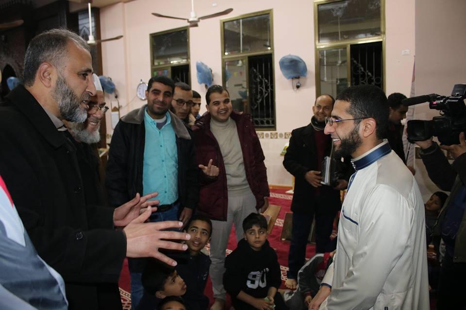 معرض الدنانير .. فكرة إبداعية للتشجيع على حفظ القرآن الكريم