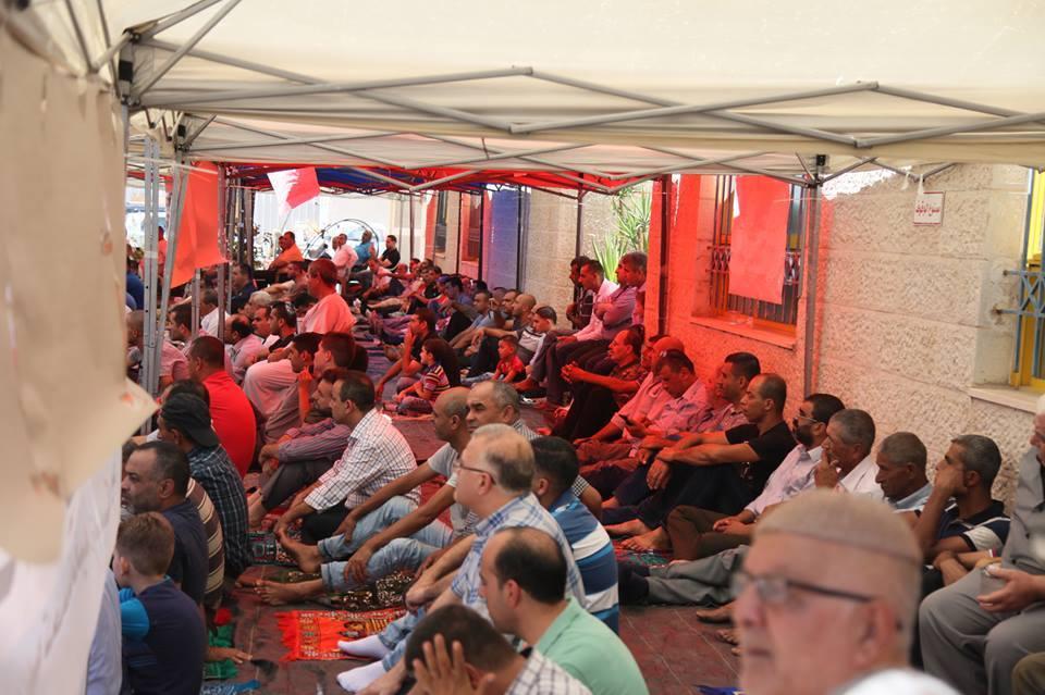 أهالي قلقيلية يقيمون الجمعة في ساحة مستشفى الوكالة المهدد بالإغلاق